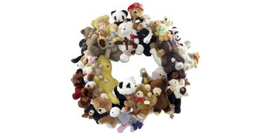 Bear Party, wreath by magpie