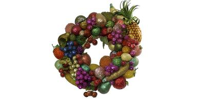 Carmen Miranda, wreath by magpie